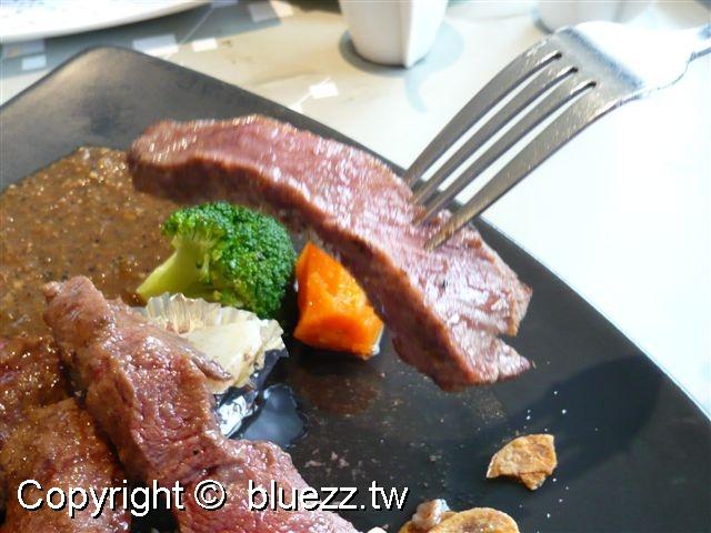 陶板屋香蒜瓦片牛肉近拍