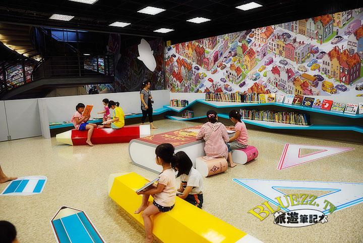 國美館-兒童遊戲室與繪本區-11.jpg