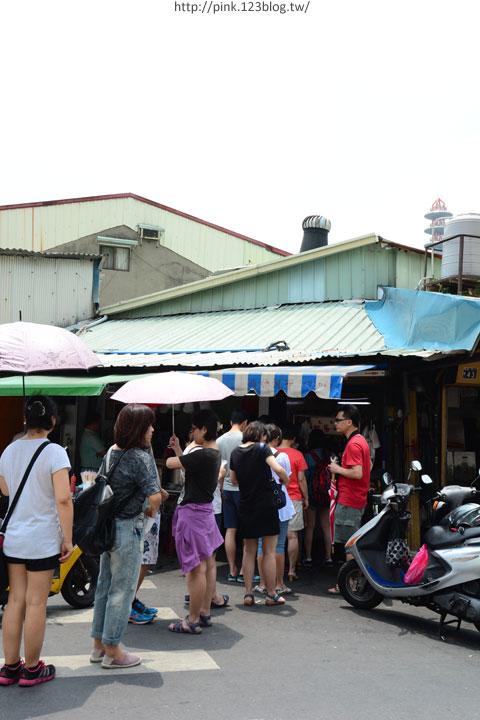 【台中第五市場】太空紅茶冰、阿義紅茶、海苔飯捲、樂群冷凍芋。美味小吃看這裡!-DSC_0791.jpg