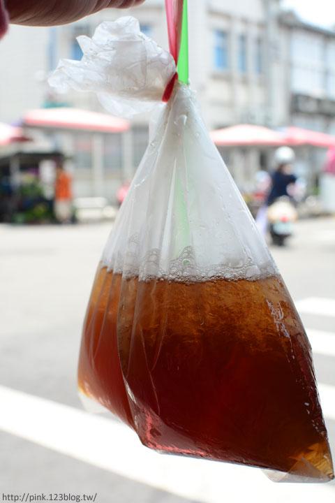 【台中第五市場】太空紅茶冰、阿義紅茶、海苔飯捲、樂群冷凍芋。美味小吃看這裡!-DSC_0805.jpg