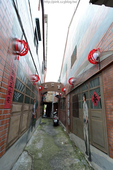 台中沙鹿「美仁里彩繪巷」,全台首創屬於台灣味的復古彩繪。-DSC_1149.jpg