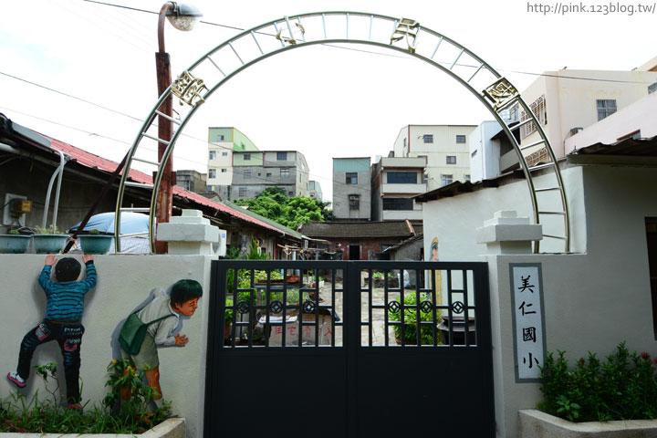 台中沙鹿「美仁里彩繪巷」,全台首創屬於台灣味的復古彩繪。-DSC_1207.jpg