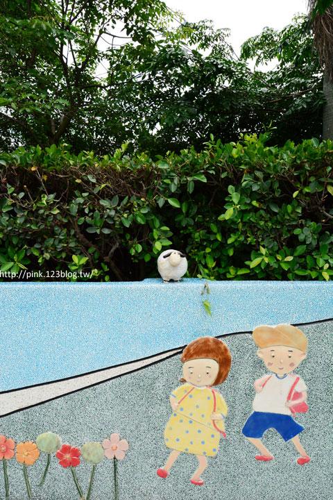 台中龍井「龍港國小」。充滿童趣的彩繪及拼貼,超可愛!-DSC_1470.jpg