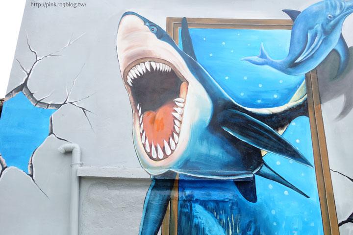【布袋景點】好美里3D立體海洋彩繪世界,嚇!超大鯊魚遊過來啦!-DSC01955.jpg