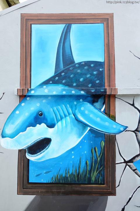 【布袋景點】好美里3D立體海洋彩繪世界,嚇!超大鯊魚遊過來啦!-DSC01957.jpg