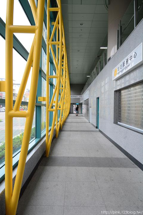 驚見草間彌生高跟鞋,就在彰化新員林火車站!-DSC_5310.jpg