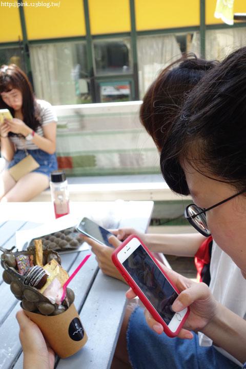 【台中美食】一中街拾瓦swag。港式雞蛋仔創意新吃法,1.5升級豪華版!-DSC04243.jpg