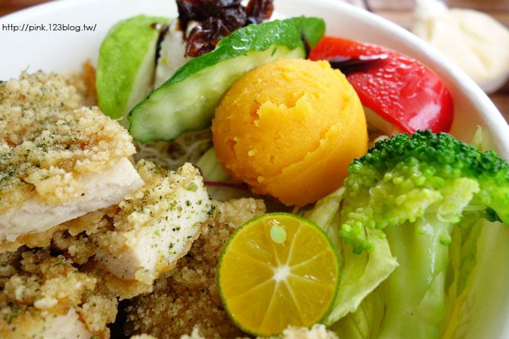 【南投市美食】周水茶舖。鮮茶、沙拉、炸物,夏日輕食最佳選擇!-DSC05785.jpg