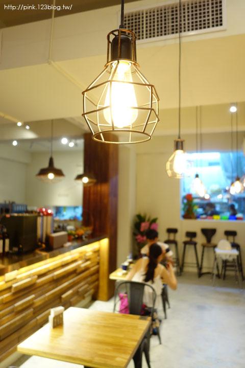 【南投中興美食】A+倉庫複合式餐廳。以輕工業風格為主題,美食餐點也很不賴!-DSC06755.jpg