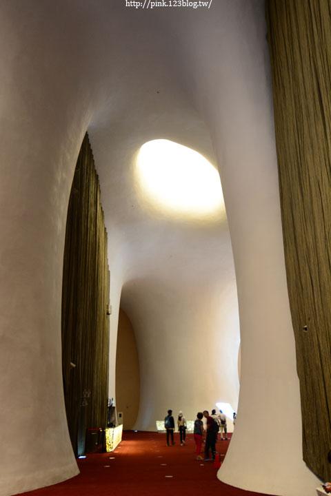 【台中景點】臺中國家歌劇院。歡迎進入伊東豐雄的建築世界!-DSC_9814.jpg
