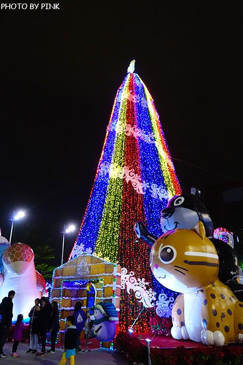 【台中耶誕YA】台中市政府耶誕嘉年華活動,多項遊樂設施讓你玩的過癮!-DSC01643.jpg