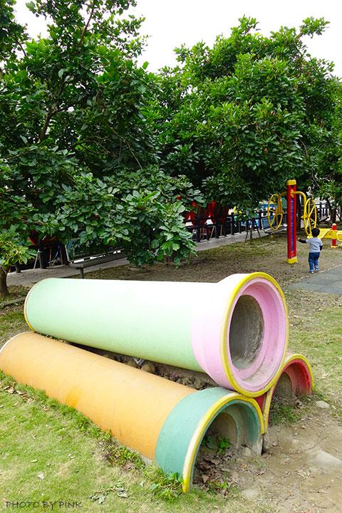 【員林景點】百果山兒童樂園。超長溜滑梯、沙坑等多樣化設施,帶小孩玩耍的好去處!-DSC01893.jpg