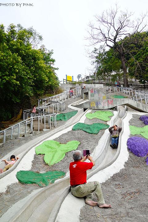 【員林景點】百果山兒童樂園。超長溜滑梯、沙坑等多樣化設施,帶小孩玩耍的好去處!-DSC01907.jpg