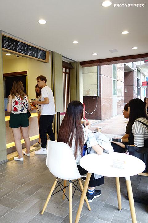 【台中甜點】大判燒。創意日式紅豆餅,多達十七種口味任君挑選,必吃鹹蛋黃芋頭口味!-DSC08475.jpg