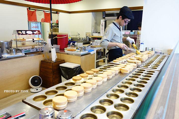 【台中甜點】大判燒。創意日式紅豆餅,多達十七種口味任君挑選,必吃鹹蛋黃芋頭口味!-DSC08483.jpg