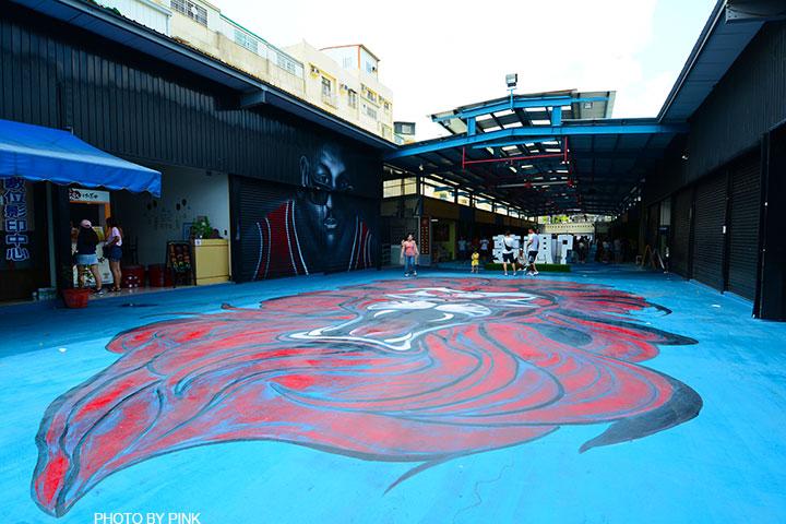 【台中景點】沙鹿夢想街。文創彩繪牆、愛心鞦韆、籃球牆,年輕人必拍勝地!(靜宜大學旁)-DSC_1444.jpg
