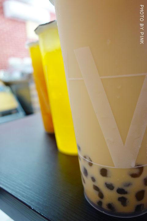 【台中清水飲料店】華得來(WAL)飲料專賣店。必點芒果綠茶,喝的到整顆芒果果肉,新鮮看的見!-DSC01420.jpg