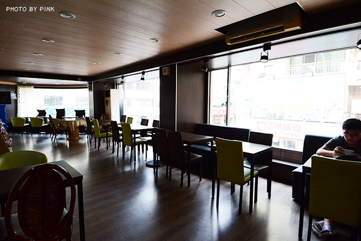 【草屯咖啡廳】三省堂書店/咖啡館。在老書店內悠閒喝咖啡,享受當下的小確幸!-DSC_2854.jpg