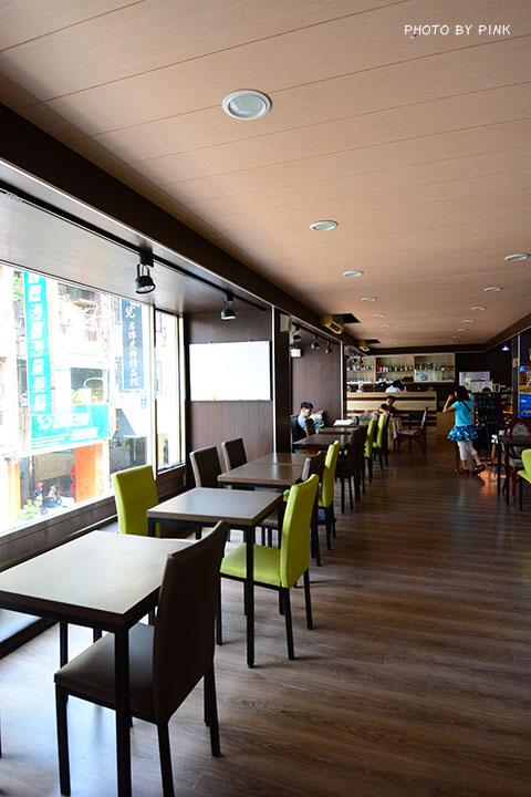 【草屯咖啡廳】三省堂書店/咖啡館。在老書店內悠閒喝咖啡,享受當下的小確幸!-DSC_2868.jpg