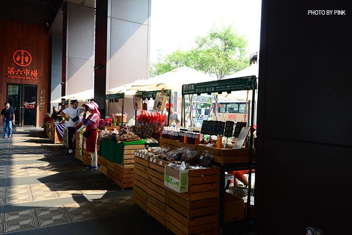 【台中西區】第六市場。第一間開在百貨公司的菜市場,買菜不流汗,也太幸福了!-DSC_3316.jpg