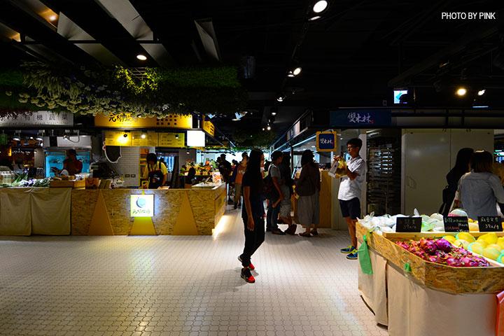 【台中西區】第六市場。第一間開在百貨公司的菜市場,買菜不流汗,也太幸福了!-DSC_3334.jpg