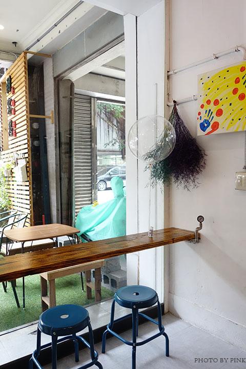 【草屯咖啡館】甜客思Thanks寵物咖啡館。喝咖啡、嚐甜食、還有阿登喵星人坐陪!-DSC08716.jpg