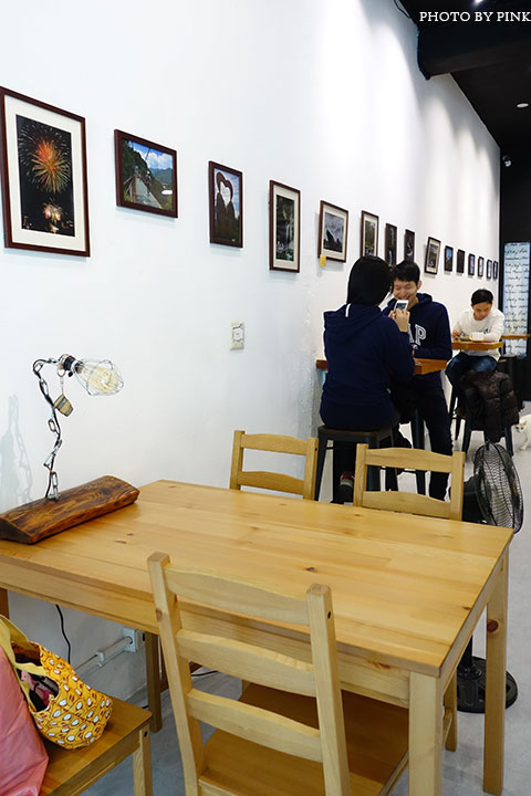 【草屯咖啡館】甜客思Thanks寵物咖啡館。喝咖啡、嚐甜食、還有阿登喵星人坐陪!-DSC08720.jpg