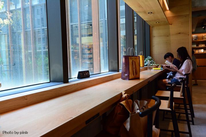 【台中西屯區】蔦屋書店。全台最大的書店in台中,結合餐飲獨樹一幟!-DSC_4898.jpg