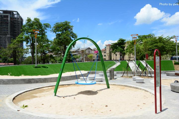 【台中親子公園】豐樂雕塑公園。全新改版親子遊戲區,白砂、溜滑梯、盪鞦韆等,超好玩!-DSC_6216.jpg