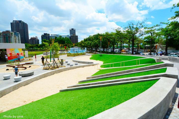 【台中親子公園】豐樂雕塑公園。全新改版親子遊戲區,白砂、溜滑梯、盪鞦韆等,超好玩!-DSC_6246.jpg