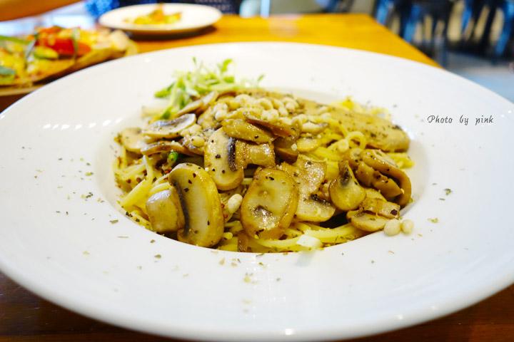 【台中南屯蔬食餐廳】豐樂素食-柒一晌蔬食餐廳。溫馨感十足的義式蔬食餐館,小餐包無限量供應!-DSC06742.jpg