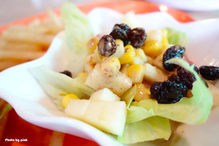 【埔里素食推薦】全体素立蔬食餐館。葷食也愛吃的西式蔬食料理,份量十足的漢堡很對味!-DSC07610.jpg