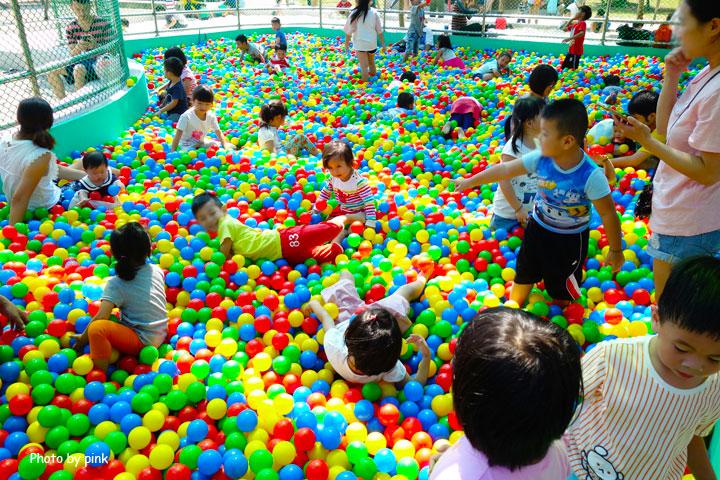 【草屯景點】草屯兒童樂園。摩天輪、彩色球池、馬車等好玩設施讓小朋友玩翻天!-DSC00428.jpg