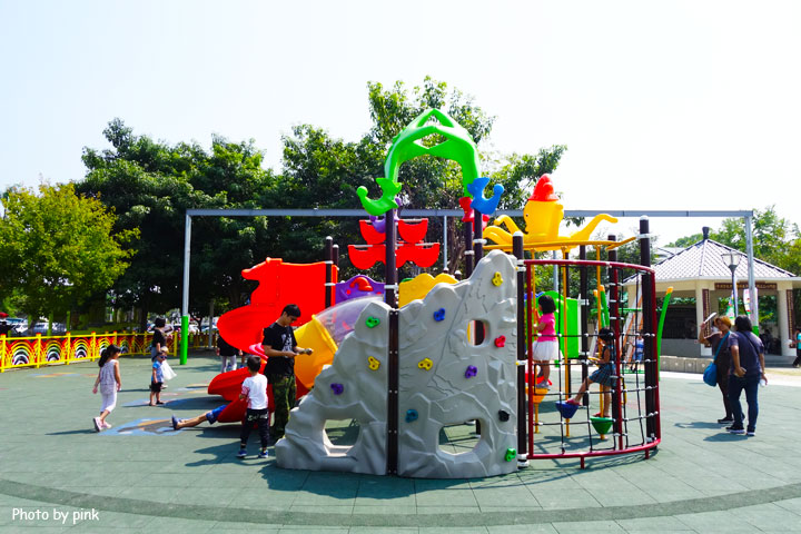 【草屯景點】草屯兒童樂園。摩天輪、彩色球池、馬車等好玩設施讓小朋友玩翻天!-DSC00440.jpg