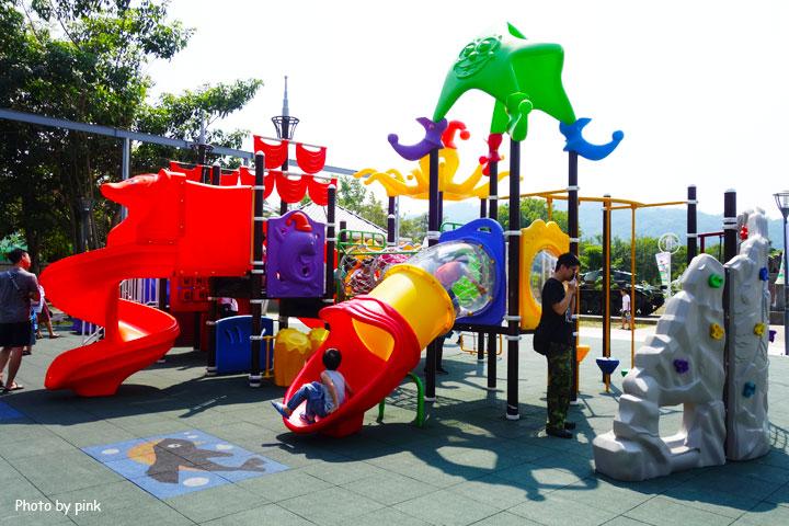【草屯景點】草屯兒童樂園。摩天輪、彩色球池、馬車等好玩設施讓小朋友玩翻天!-DSC00442.jpg