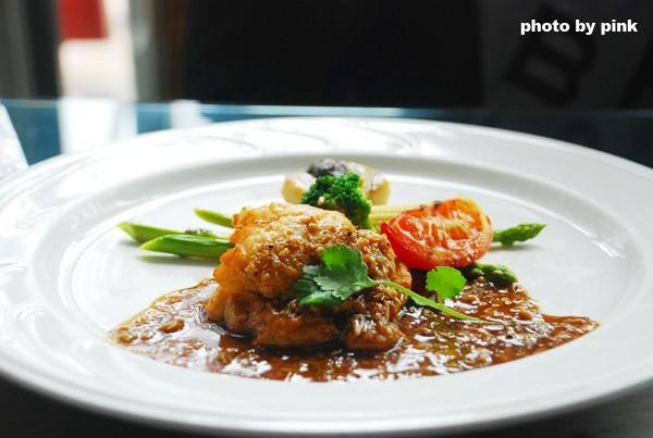 【台中五權西路餐廳】桃花源異國美食餐廳