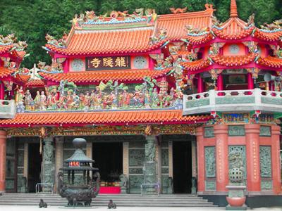 龍隱寺正殿外觀