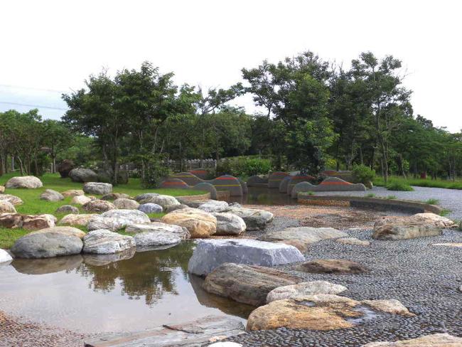 台中都會公園健康水道