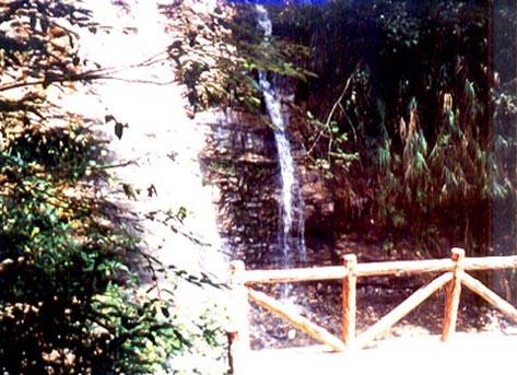 芙蓉谷瀑布