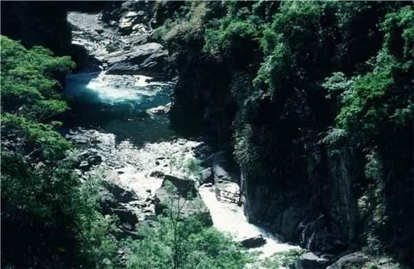 荖濃溪谷-梅山村