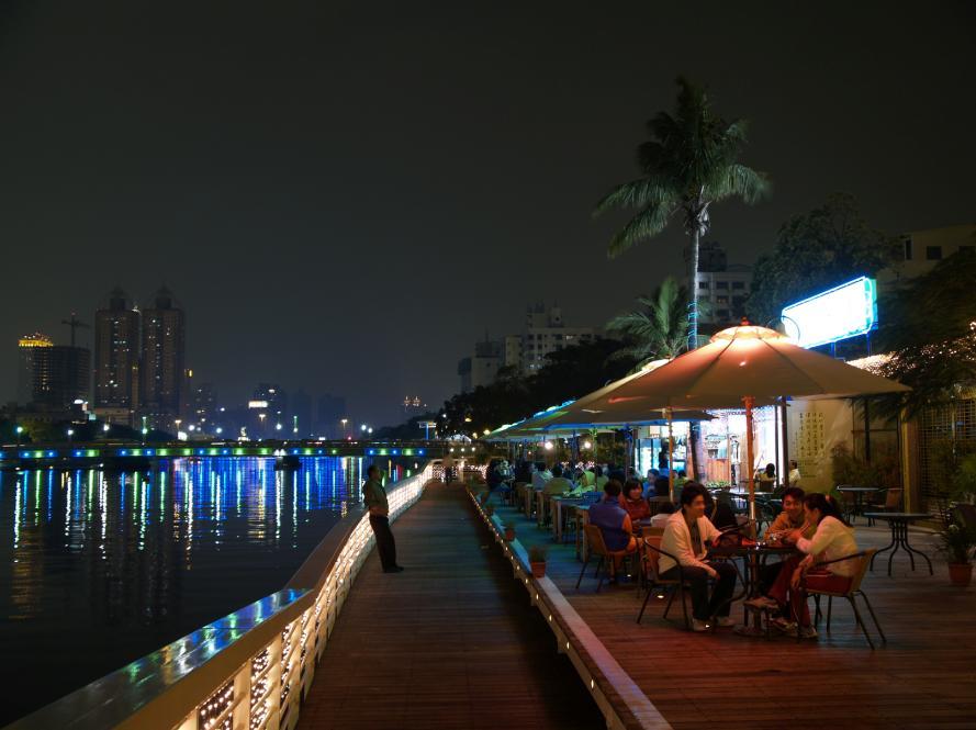 愛河河畔咖啡