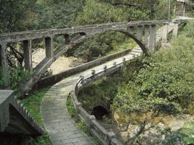 山尖路觀光步道看黃金橋