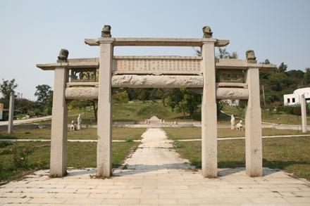 邱良功墓園