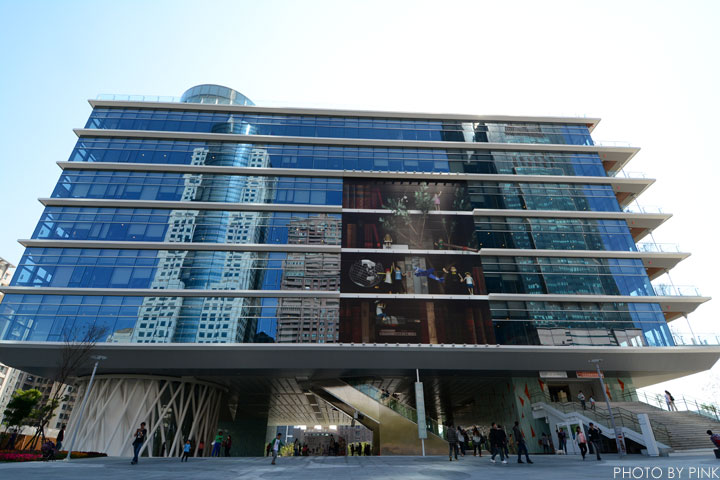 【高雄景點】高雄市立圖書館總館-極簡綠建築,優質的閱讀場域。-DSC_2179.jpg