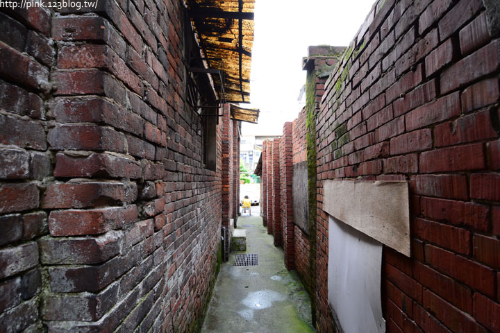 台中沙鹿「美仁里彩繪巷」,全台首創屬於台灣味的復古彩繪。-DSC_1177.jpg
