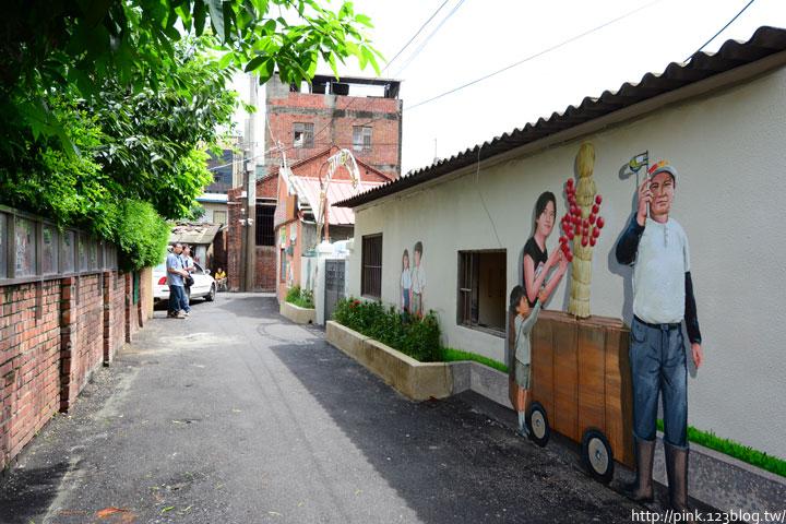 台中沙鹿「美仁里彩繪巷」,全台首創屬於台灣味的復古彩繪。-DSC_1225.jpg