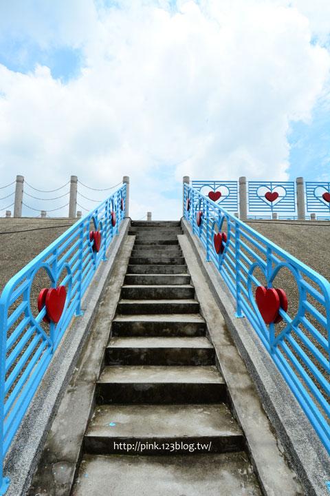 台中龍井「麗水漁港」藍白希臘風情觀景台,超浪漫!-DSC_1328.jpg