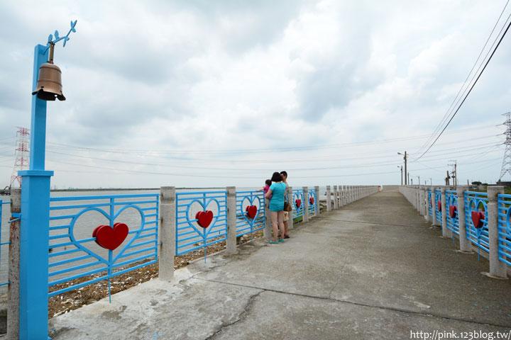 台中龍井「麗水漁港」藍白希臘風情觀景台,超浪漫!-DSC_1395.jpg