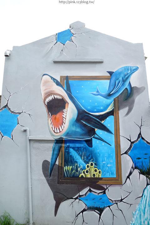 【布袋景點】好美里3D立體海洋彩繪世界,嚇!超大鯊魚遊過來啦!-DSC01954.jpg