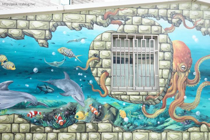 【布袋景點】好美里3D立體海洋彩繪世界,嚇!超大鯊魚遊過來啦!-DSC01987.jpg